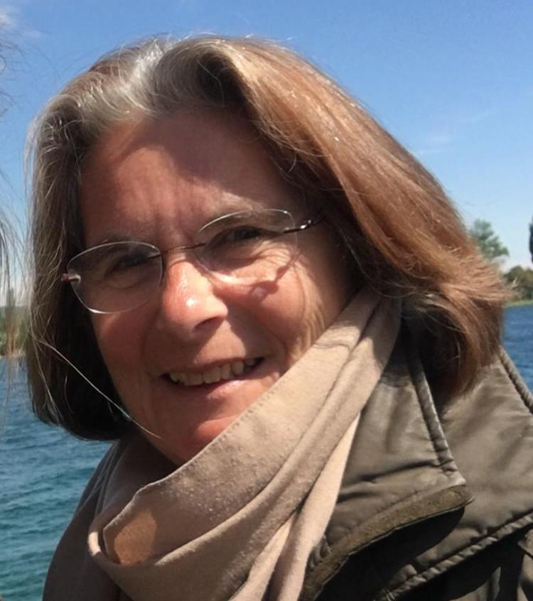 Dr. Sylvia Schachner